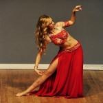 W repertuarze Mahtab znajdują się choreografie w stylu egipskim a także belly dance show czy fuzje, na zdjęciu oriental tango